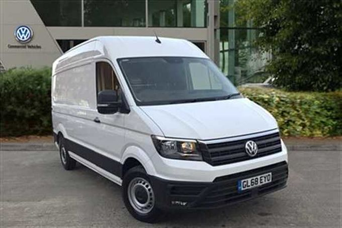 Volkswagen Crafter 2.0TDI (140PS) CR35 MWB Highline Panel Van