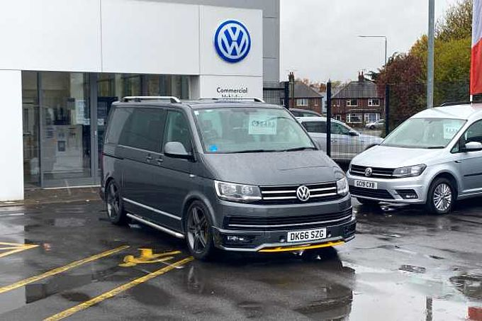 Volkswagen Caravelle Executive 2.0 TDi 204PS SWB DSG