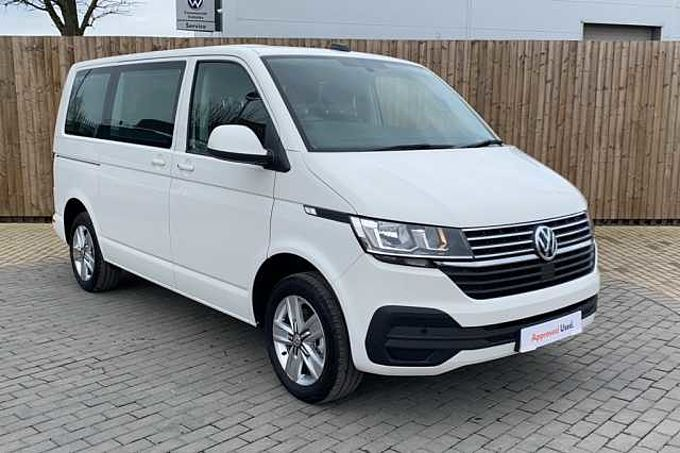 Volkswagen Transporter Shuttle SE 2.0TDI 110PS 5 SPEED MANUAL  ( NAVIGATION  + 9 SEATS + SWB )